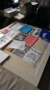 Die alten, gesicherten jeweils 10 Exemplare pro Ausgabe werden chronologisch sortiert und archiviert.